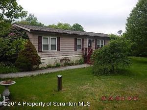 303 Stanton Dr, Waymart, PA 18472