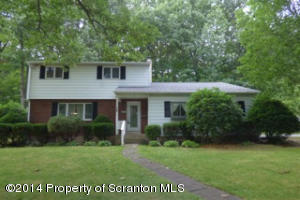 604 Meadow Ln, Clarks Summit, PA 18411