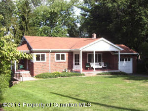 305 Colburn Ave, Clarks Summit, PA 18411