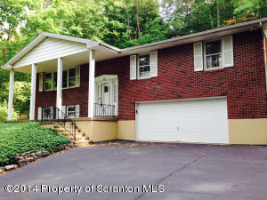 205 Wilcrest Rd, Roaring Brook Twp, PA 18444