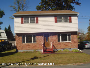 315 Field St, Dunmore, PA 18512