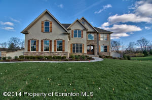 32 Birch Hill Dr, South Abington Twp, PA 18411
