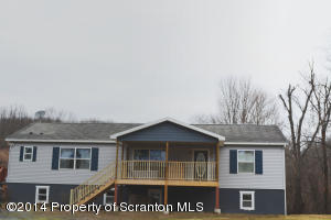 313 Sickler Pond Rd, Greenfield Twp, PA 18433
