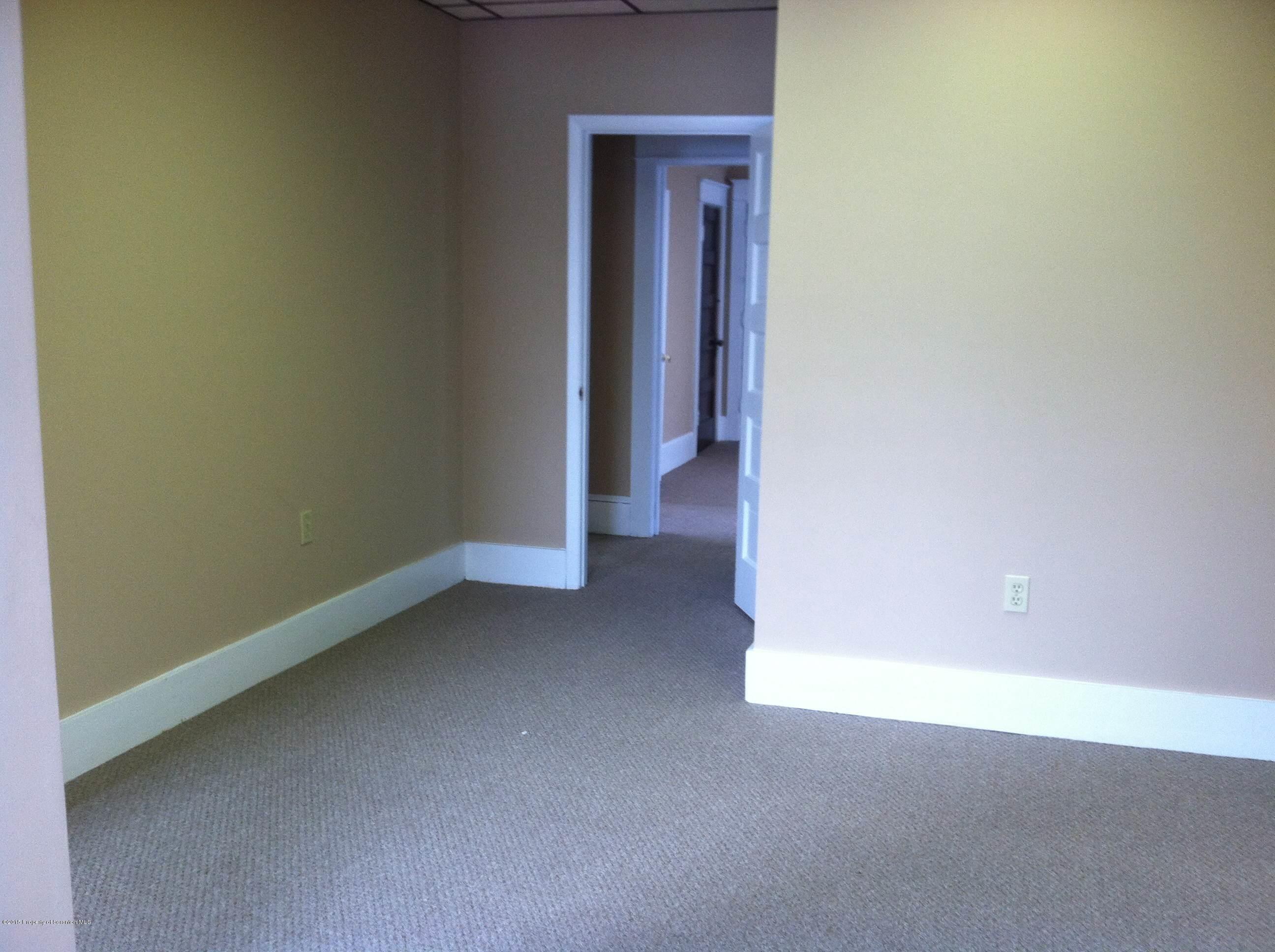 826 Main St, Peckville, Pennsylvania 18452, ,2 BathroomsBathrooms,Commercial,For Lease,Main,15-107