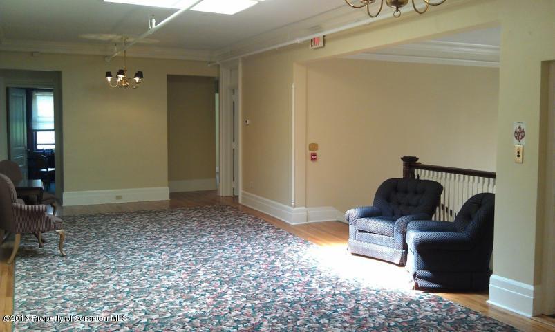 404 North Washington Avenue, Scranton, Pennsylvania 18503, ,2 BathroomsBathrooms,Commercial,For Lease,404 North Washington,15-1185