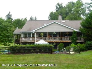 100 Pine Grove Farms Rd, Waverly, PA 18471