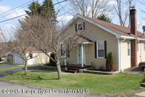 201 Academy St, Moscow, PA 18444