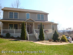1016 Westwood Dr, Clarks Summit, PA 18411