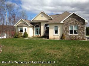 603 Clover Ln, Moscow, PA 18444