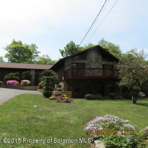 8 Leggs Rd, Covington Twp, PA 18444