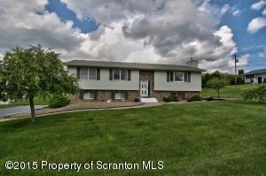 400 Brian Dr, Clarks Summit, PA 18411