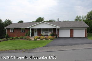 121 Beverly Dr, Clarks Summit, PA 18411