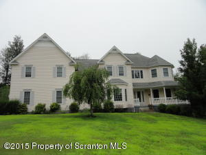 705 Parkview Rd, Moscow, PA 18444