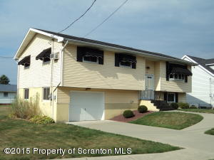 721 Sunset Dr, Dickson City, PA 18519