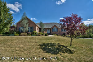 808 Saddle Loop Rd, South Abington Twp, PA 18411