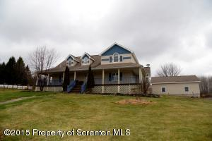 231 Pleasant View Dr, Greenfield Twp, PA 18407