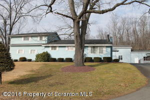 10 Stone Dr, Carbondale Twp, PA 18407
