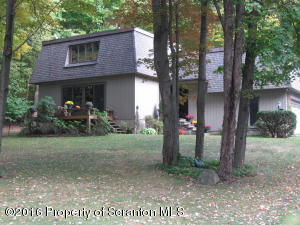 60 Tinkerbrook Road, Clifford Twp, PA 18421