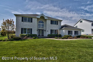 913 Greenfield Rd, Moscow, PA 18444
