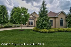 1016 Summerfield Dr, Waverly, PA 18471