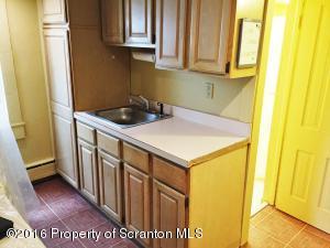 1021 CLAY Ave, Scranton, PA 18510