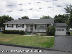601 Hilltop Rd, Peckville, PA 18452