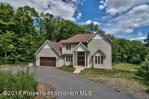 1304 OLD TRAIL RD, Clarks Summit, PA 18411