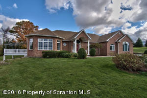 1000 Summit Hill Dr, Clarks Summit, PA 18411