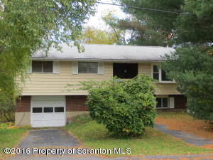 1259 Mine St, Old Forge, PA 18518