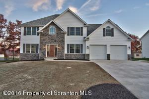 509 Peggy Dr, Archbald, PA 18403