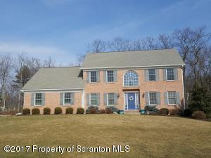 105 Woodland Dr, Jefferson Twp, PA 18436