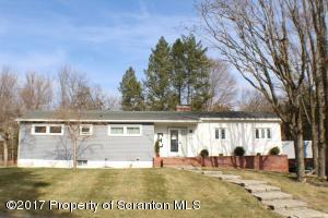 404 Gordon Dr, Clarks Green, PA 18411