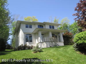 1 Country Club Pl, Clarks Summit, PA 18411