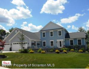 311 Champion Cir, Throop, PA 18512