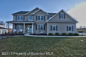 1004 Circle Green Dr, Clarks Summit, PA 18411