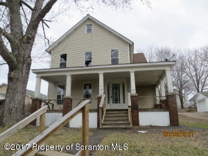 20 Gilbert St, Carbondale, PA 18407