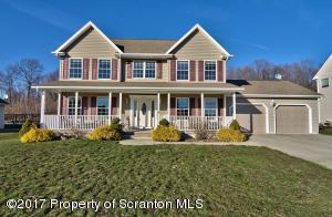 410 Champion Circle, Throop, PA 18512