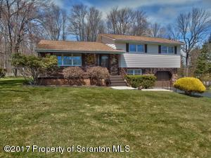 112 Keene St, Moscow, PA 18444