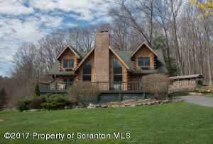 2778 Dark Region Rd, Clarks Summit, PA 18411