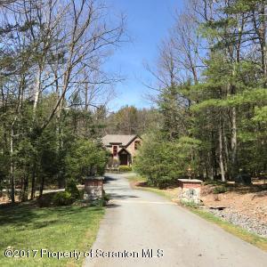 27 Spring Brook Cirlce, Lakeville, PA 18438