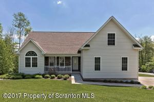 417 Roanoke Lane, Scranton, PA 18504