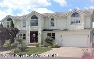 1326 Hampton Dr, Archbald, PA 18403