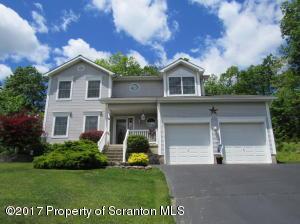 2 Overbrook Cir, Scranton, PA 18504
