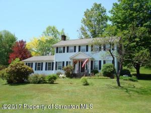 203 McKinney Rd, Waymart, PA 18472
