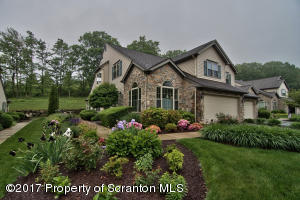 105 Stone Crest Cir, South Abington Twp, PA 18411