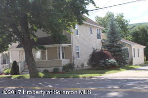 821 Lackawanna Ave, Mayfield, PA 18433
