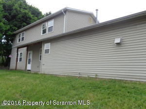 913 Lincoln St, Dickson City, PA 18519