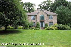 507 Skyline Dr South, Clarks Summit, PA 18411
