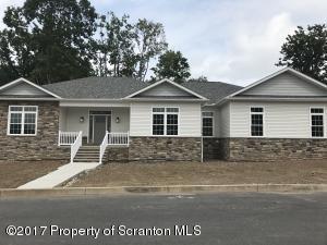 745 Oak St, Eynon, PA 18403