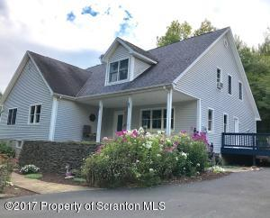 225 Silver Mark Dr, Factoryville, PA 18419